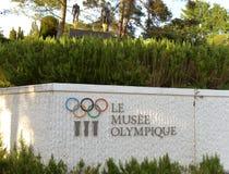 Lausanne Szwajcaria, Czerwiec, - 05, 2017: Signboard z Olimpijskim ri Fotografia Stock