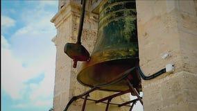 Laute Glocken auf dem Turm Video mit Ton stock video footage