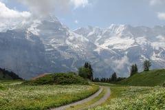 Lautenbrunen谷在阿尔卑斯,瑞士 库存图片