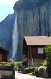 lauterbrunnen瑞士村庄瀑布 库存照片