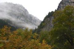 Lauterbrunnen dal i höst royaltyfri foto