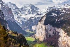 lauterbrunnen den switzerland dalen Arkivbilder