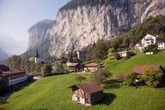 Lauterbrunnen, vicino ad Interlaken nel Bernese Oberland, la Svizzera Fotografia Stock Libera da Diritti