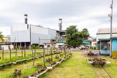 Lautoka, Fiji Lautoka cukrowy młyn z zaniechaną wąskiego wymiernika koleją Cukrowa fabryka jest wciąż wielka w południowej półkul fotografia stock