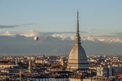 Lavågbrytare Antonelliana i Turin, Italien Arkivbild