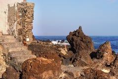 Lava Coast no Oceano Atlântico em Tenerife Foto de Stock Royalty Free