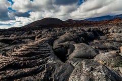 Lava congelada do vulcão de Tolbachik, Kamchatka imagem de stock