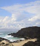 Lava Covered Beach d'Oahu, Hawaï Photos stock