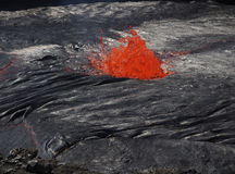 Lava dentro del volcán de la cerveza inglesa de Erta, Etiopía Imagenes de archivo