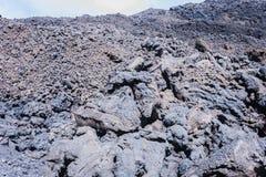 Lava em Monte Etna, vulcão ativo na costa leste de Sicília, Itália imagens de stock royalty free