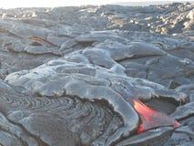 Lava Flowing quente na ilha grande, Havaí Fotos de Stock Royalty Free