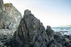 Lava Formed Rocks Patterns, Brekerbaai Nieuw Zeeland Stock Foto's