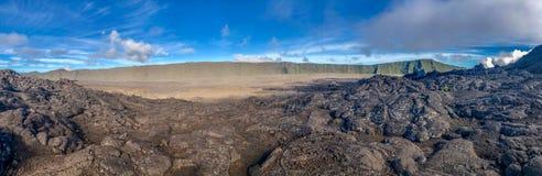 Lava im Tal von Vulkan piton de la Fournaise auf Lawiedervereinigung stockfoto
