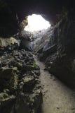 Lava Tube, Lava Beds National Park, Califórnia imagem de stock royalty free