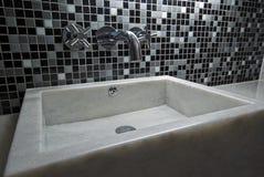 Lavabo de colada de mármol de la mano Imagen de archivo libre de regalías