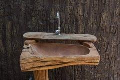 Lavabo en bois Photo libre de droits