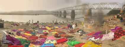 Lavado de la tela, Agra, la India Fotos de archivo libres de regalías