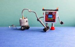 Lavadora del robot de la máquina del aspirador Automatice el concepto del servicio de habitación de limpieza Cyborg creativo del  Imagenes de archivo