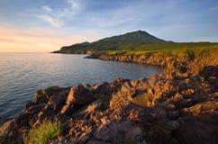 Lavafeld auf der Küste der Insel von Iturup Yankito-Hochebene Stockfoto