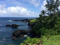 Lavafelsenbogen im Ozean Lizenzfreies Stockfoto