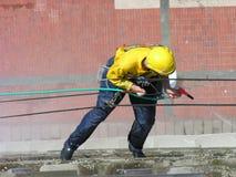 Lavage d'hublot, le travail extrême 2 Photo stock