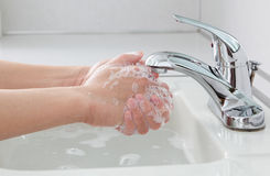 Lavage de mains Images libres de droits