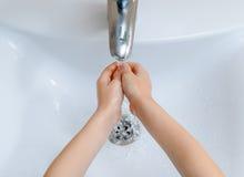 Lavage de mains Photos libres de droits