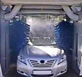 Lavage de voiture dans le procédé Photographie stock