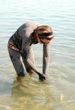 Lavage outre de la boue de mer morte Photo libre de droits
