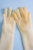 Lavage vers le haut des gants images libres de droits