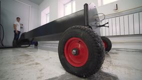 Lavagem e limpeza automáticas dos tapetes Linha industrial para os tapetes de lavagem video estoque