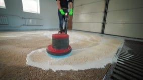 Lavagem e limpeza automáticas dos tapetes Linha industrial para os tapetes de lavagem vídeos de arquivo