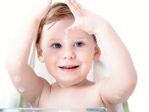 lavages de garçon photo stock