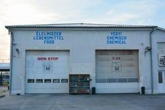 Lavaggio del camion per le autocisterne del prodotto chimico e dell'alimento Fotografie Stock Libere da Diritti