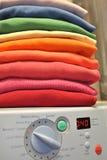 lavaggio del Rainbow della macchina della lavanderia Fotografia Stock Libera da Diritti