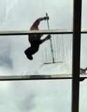 Lavaggio della finestra, lavori estremi fotografia stock