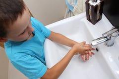 Lavaggio della mano Fotografia Stock Libera da Diritti