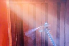 Lavaggio della nave nel cantiere navale Fotografia Stock
