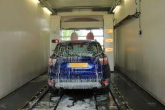 Lavaggio di automobile automatico fotografia stock libera da diritti