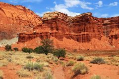 Lavaggio a secco e la formazione rocciosa dell'organo, parco nazionale della scogliera del Campidoglio, Utah fotografia stock