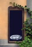 Lavagna all'aperto del ristorante del menu Fotografie Stock