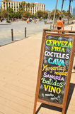Lavagna con le bevande a Barcellona, Spagna Immagini Stock Libere da Diritti