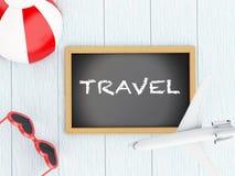 lavagna 3d, aeroplano, beach ball ed occhiali da sole Fotografia Stock