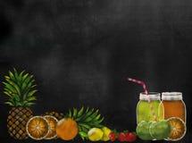 Lavagna della lavagna di tema di Juicing della frutta con lo spazio della copia Fotografia Stock