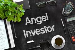 Lavagna nera con Angel Investor Concept rappresentazione 3d fotografia stock libera da diritti