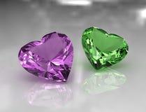 Lavanda di figura del cuore e pietre amethyst verdi Fotografie Stock Libere da Diritti