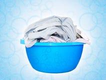 Lavanderia in bacino di plastica blu Immagine Stock Libera da Diritti