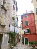 Lavanderia lavata che appende su una corda in Rovigno Città Vecchia 0886 Fotografia Stock Libera da Diritti