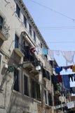 Lavanderia nelle vie di Venezia Fotografia Stock Libera da Diritti