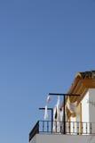 Lavanderia no balcão do telhado Imagens de Stock Royalty Free